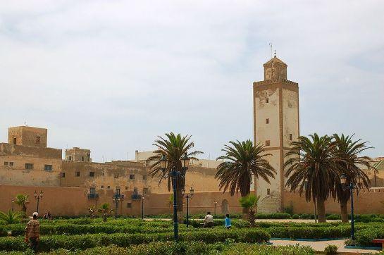 800px-Remparts_medina_Essaouira_Luc_Viatour