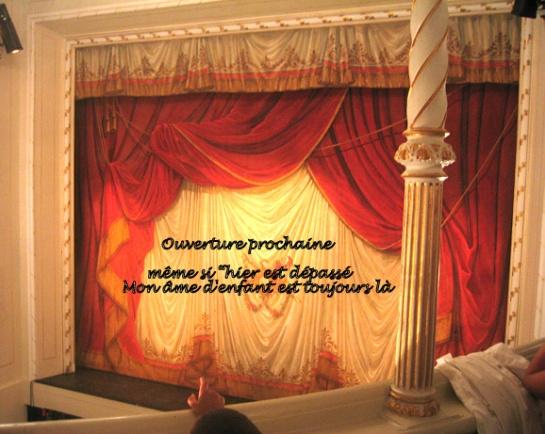 Neuburg_Donau_Stadttheater_Vorhang