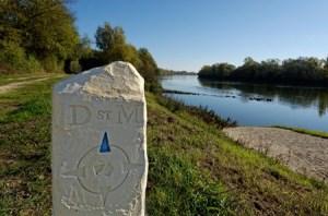 Borne St Martin à Chouzé sur Loire